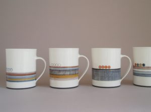 dec. med mugs