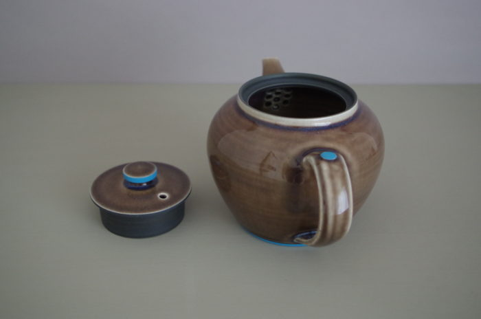round pond teapot by James and Tilla Waters