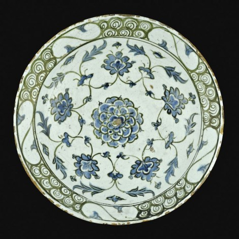 Iznik monochrome pottery dish Turkish C17th